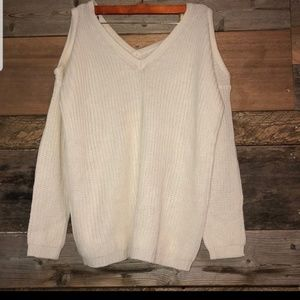Ambiance cold shoulder V-neck sweater M